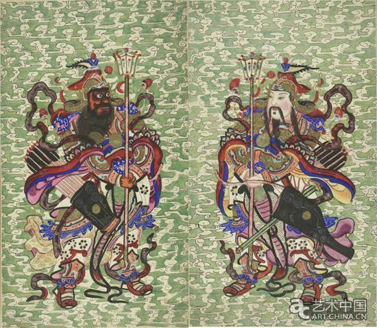 传统民间年画多用木板水印制作.
