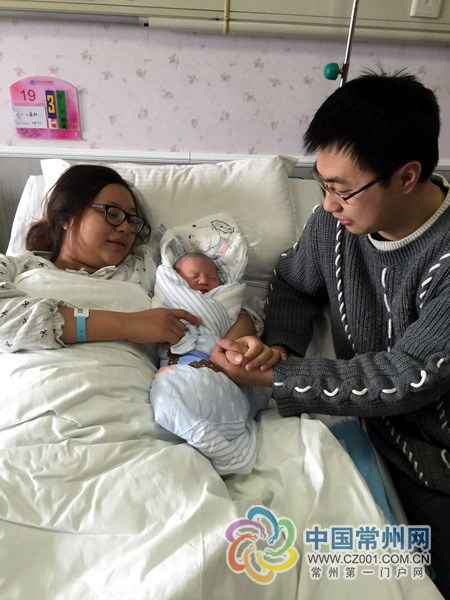 """大年初一零点十分 常州首个""""鸡宝宝""""出生"""