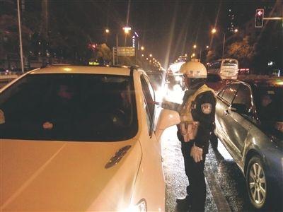 南通交警部门整治酒驾 7天共查获71名酒司机
