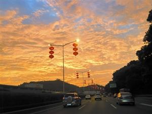 组图:深圳24小时内天气多变