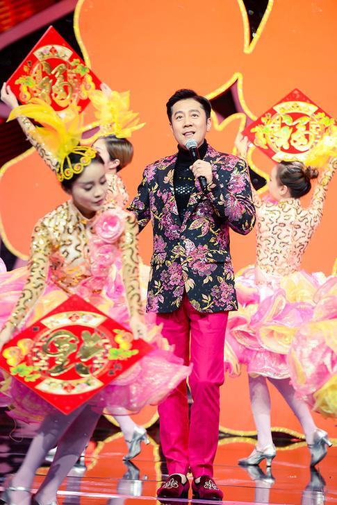 《王牌对王牌》室内竞技综艺与春晚经典巧妙融合