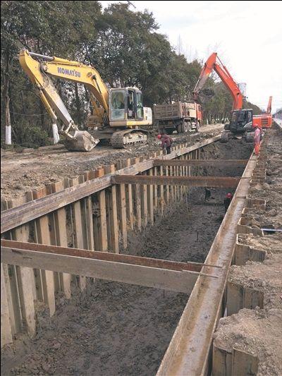 """南通跃龙路改造复工 保护地下""""长龙""""有预案"""