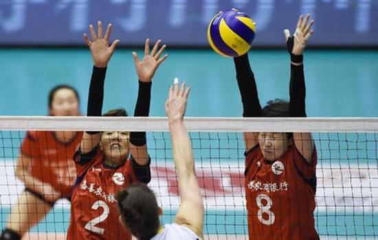 14女排联赛半决赛_图文女排联赛半决赛斯沃隆斯卡扣球被拦