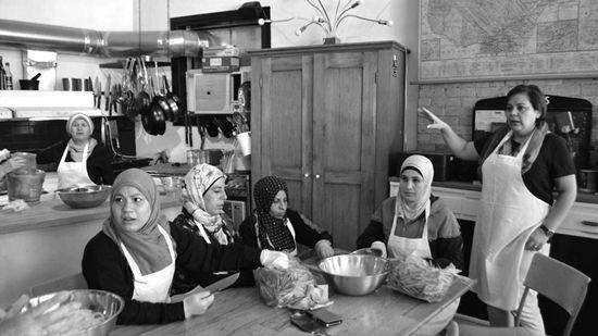 """在加拿大开个""""难民厨房"""""""