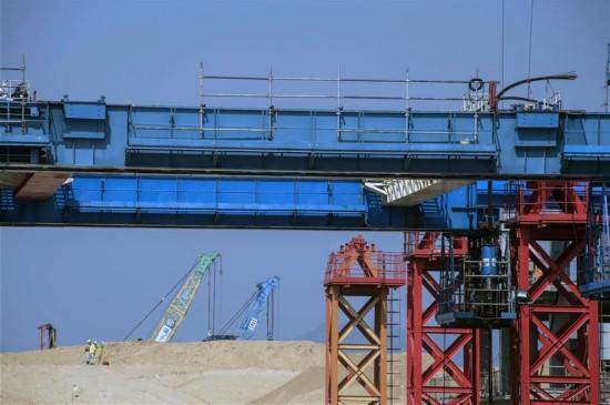 (图文互动)(4)港珠澳大桥香港段预计2017年底完工 显著促进跨境交通