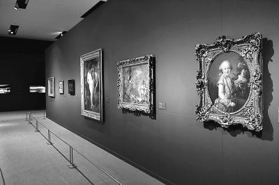 从紫禁城近眺卢浮宫 故宫藏品:何时也让国人开开眼