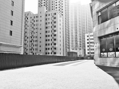 郑州一小区限用水多收费电梯常罢工 业主很烦恼
