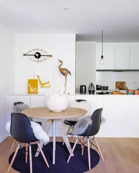 开放式设计  让客厅充满生机  随意摆放的家具更显生活气息