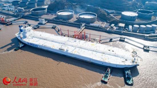 亚洲最大原油码头首靠全球最大船(组图)【3】