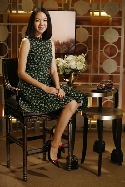 张梓琳《朗读者》讲述人生中最美丽的两次遇见