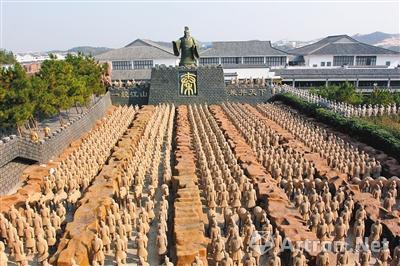 安徽安庆市太湖县的山寨兵马俑群