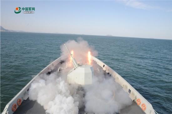 北海舰队某支队舰艇编队开展海上训练
