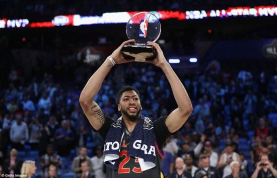 NBA全明星赛西部获胜 浓眉哥52分破纪录获MVP