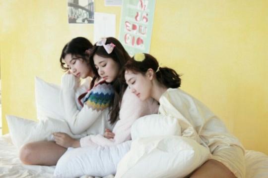 TWICE新专辑拍摄现场照大公开 成员俏皮可爱【组图】