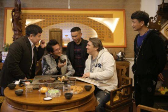 俄罗斯制片人参访武夷影业集团 洽谈合拍中俄友好电影44.png