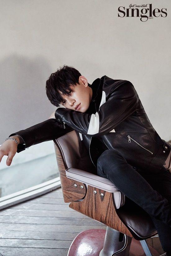 EXO成员chen拍个人写真 纯净少年气质佳【组图】