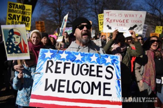 """特朗普再次语出惊人:遣返非法移民是""""军事行动"""""""