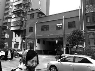 铜川女子遭小区高层坠物砸伤 血流不止找不到责任方