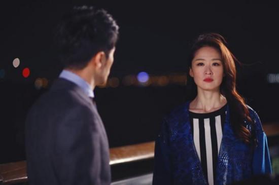反派的娇软情人-剧中让人恨死的反派女角  叶琪是男主萧亮的前女友,霸气又心机,以戳
