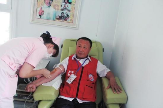 """志愿在行动:为幸福松原涂上温暖的""""红色"""""""