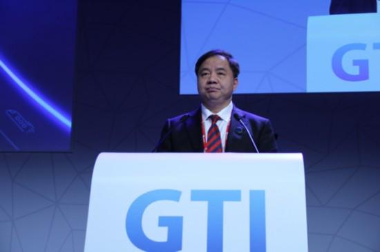 下一步中国政府将加快推进2020年5G商用目标,协同开展5G研发合作。在技术标准方面,中国工信部发布了5G基础和架构概念,极力参与全球5G标准化工作,与国际电信联盟和3GPP等国际组织展开了紧密合作。