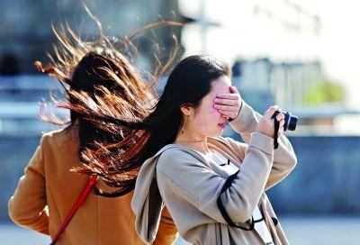 八级大风吹走春意 今天最低温1℃记得穿秋裤