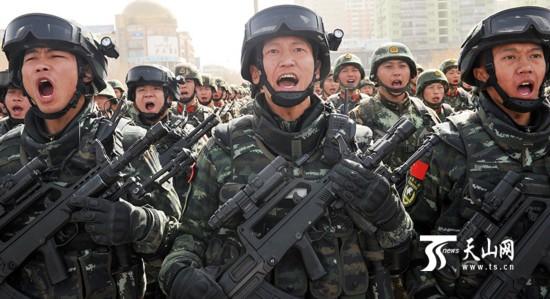 新疆反恐维稳誓师大会:正义必胜 和平必胜 人民
