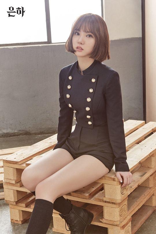GFRIEND新专辑个人预告照来袭 艺琳变身金发女郎美腿吸睛【组图】