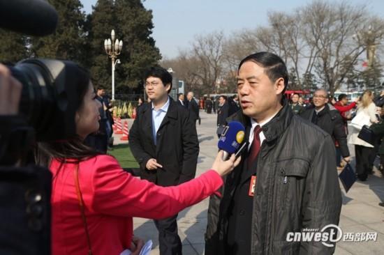 住陕委员呼吁春节假期延长至9天 满足百姓情感需求