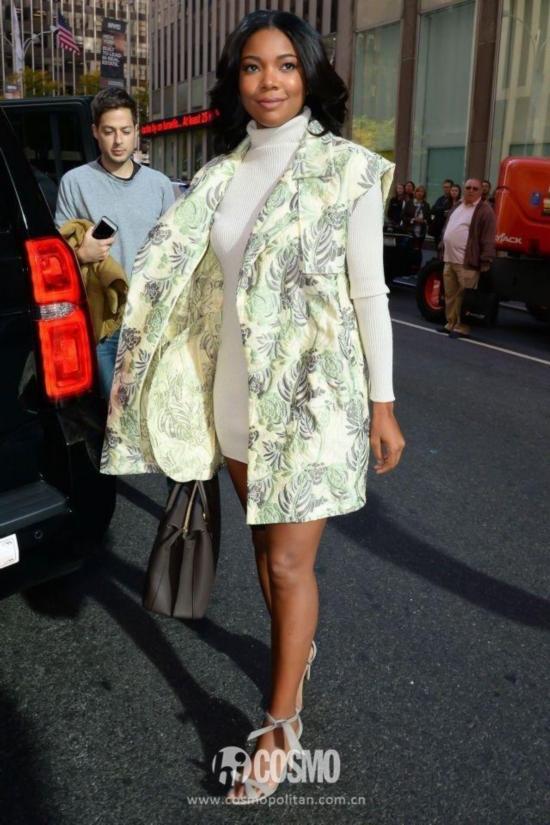 我穿马甲配长裙,气质似超模!