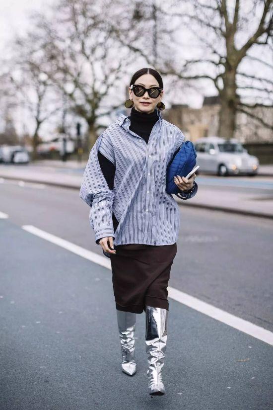 知道你们等不及要穿裙子,但是配这双短靴真的很丑!