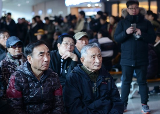 韩国宪法法院通过总统弹劾案
