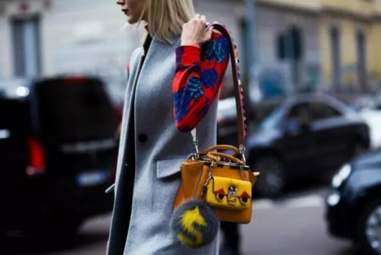包包可以小,肩带还是得宽啊!