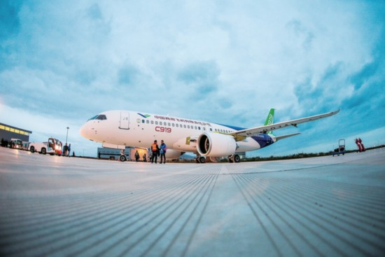 A C919 aircraft, the first Chinese-made large passenger plane, has entered the preparation phase for its maiden flight. [Photo: COMAC]