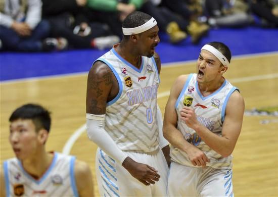 (体育)(3)篮球――CBA半决赛第二场:新疆胜辽宁