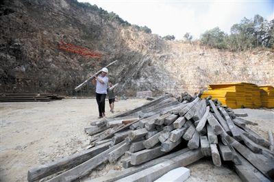"""再造""""金山银山"""" 三亚今年拟修复35个受损山体"""