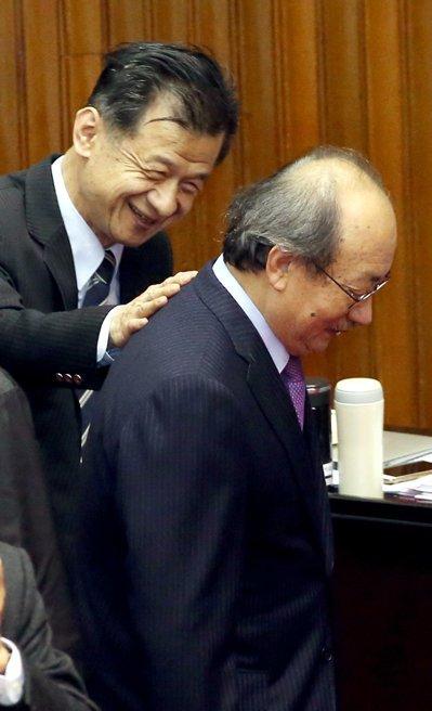 """台媒:民进党为合理化自身行为让国民党""""背黑锅"""""""