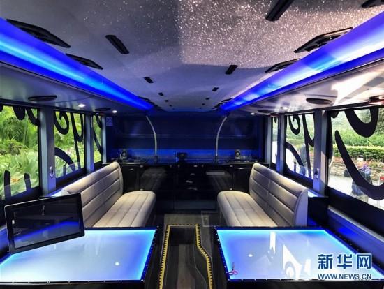 (XHDW)(1)香港:水晶巴士餐厅面世