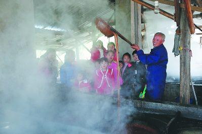 南平松溪县:百年古法制红糖