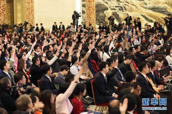 (两会・总理记者见面)(5)李克强总理与中外记者见面