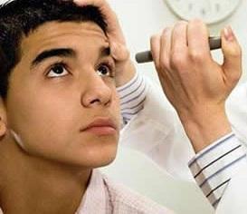 31岁IT小伙患上晚期青光眼 除睡觉外眼睛一直盯电脑