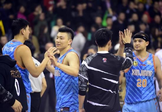 (体育)(4)篮球――CBA半决赛第五场:新疆胜辽宁