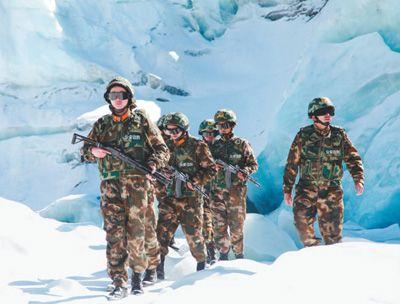 西藏普玛江塘乡干部群众和官兵忠诚戍边艰苦创业