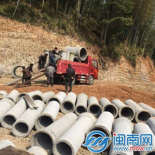 通水的下水管道运抵武济村