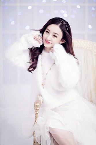 赵丽颖现在电视剧片酬已经是达到了4000万的片酬。