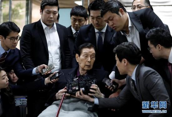 (外代一线)(2)乐天家族5人出庭 全部否认检方指控