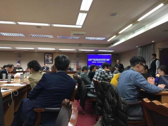 """国民党排案审查两岸监督条例 民进党上演""""现形记"""""""