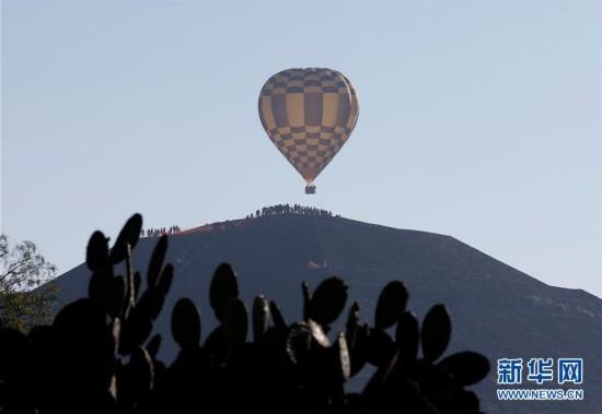 墨西哥:春分日登顶金字塔