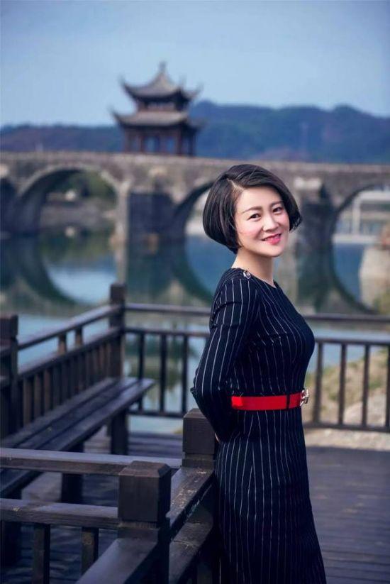 美女镇长杨春丽和她代言的千年胡乐古镇 - sunyye2028 - 太阳雨         suntrain