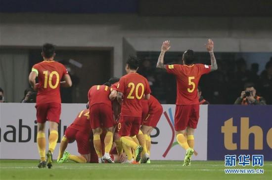 国足赢了!中国队1:0战胜韩国队 于大宝一粒进球